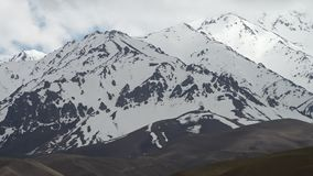 Χιόνι πέρα από τα βουνά απόθεμα βίντεο