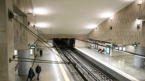 Ένας σταθμός μετρό στη Λισσαβώνα απόθεμα βίντεο
