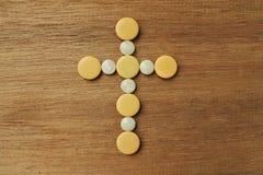 Ένας σταυρός στον ξύλινο πίνακα Στοκ φωτογραφία με δικαίωμα ελεύθερης χρήσης