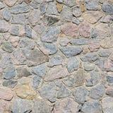 Ένας τοίχος πετρών, που τσιμεντάρεται γκρίζος μεταξύ των στρογγυλευμένων πετρών Backgrou Στοκ φωτογραφία με δικαίωμα ελεύθερης χρήσης