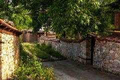 Ένας τοίχος πετρών στη Βουλγαρία, χωριό Arbanasi. Στοκ Εικόνα