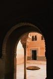 Ένας τοίχος arabesque Alhambra στη Γρενάδα, Ανδαλουσία, Ισπανία Στοκ Εικόνες