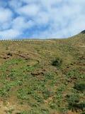 Ένας τουριστικός δρόμος στα βουνά Fuerteventura Στοκ Εικόνες