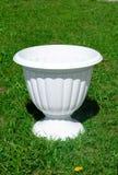 Ένα άσπρο flowerpot Στοκ φωτογραφίες με δικαίωμα ελεύθερης χρήσης