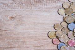 Ένα άτομο κουκλών με τα χρήματα αποταμίευσής του Στοκ Εικόνες