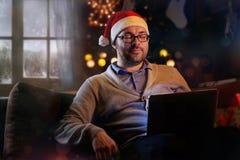 Ένα άτομο να ονειρευτεί καπέλων Santa ` s Στοκ φωτογραφίες με δικαίωμα ελεύθερης χρήσης