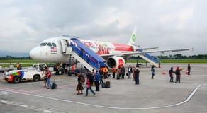Ένα αεροπλάνο στον αερολιμένα σε Lombok, Ινδονησία Στοκ φωτογραφία με δικαίωμα ελεύθερης χρήσης