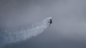 Ένα αεροσκάφος πολεμικό τζετ αμερικανικού F-16 Στοκ Εικόνες