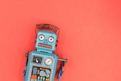 ένα αναδρομικό παιχνίδι ρομπότ κασσίτερου Στοκ Εικόνα