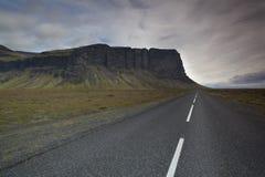 Ένα ανοικτό strect του δρόμου στην Ισλανδία στοκ εικόνα με δικαίωμα ελεύθερης χρήσης