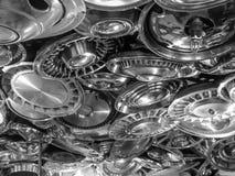 Ένα ανώτατο όριο φιαγμένο από παλαιό χρησιμοποιούμενο hubcaps Στοκ φωτογραφία με δικαίωμα ελεύθερης χρήσης