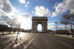 Ένα από το ελκυστικότερο ορόσημο για τον τουρισμό στο Παρίσι, Γαλλία, Arc de Triomphe, Ευρώπη, ηλιόλουστη ημέρα, θαυμάσιο, αρχαίο Στοκ φωτογραφία με δικαίωμα ελεύθερης χρήσης