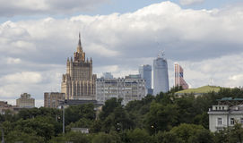 Ένα από το Υπουργείο Εξωτερικών επτά ουρανοξυστών σταλινιστών της Ρωσίας στοκ εικόνες