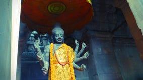 Ένα αρχαίο άγαλμα του ινδού Θεού, Vishnu μέσα σε Angkor Wat, Siem συγκεντρώνει, Καμπότζη Στοκ Εικόνες