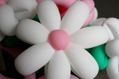 Ένα βάζο με τα λουλούδια φιαγμένα από στριμμένα μπαλόνια Στοκ φωτογραφία με δικαίωμα ελεύθερης χρήσης