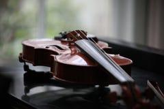 Ένα βιολί στοκ φωτογραφία με δικαίωμα ελεύθερης χρήσης