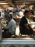 Ένα βλέμμα σε έναν κλασικό κουβανικό καφέ στο Μαϊάμι Μπιτς, Φλώριδα Στοκ εικόνες με δικαίωμα ελεύθερης χρήσης