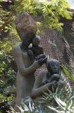 Ένα γλυπτό που ονομάζεται ` την πολλαπλάσια μητρότητα ` στο θόλο λουλουδιών, Σιγκαπούρη Στοκ Φωτογραφία