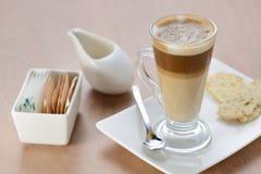 Ένα γυαλί του latte Στοκ Εικόνα