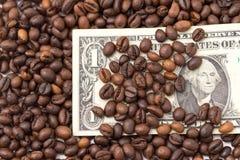 Ένα δολάριο στα φασόλια καφέ Στοκ Φωτογραφίες
