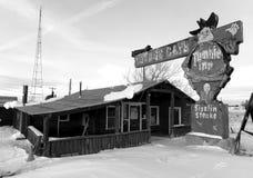 Ένα εγκαταλειμμένο πανδοχείο κατά τη διάρκεια του χειμώνα στοκ εικόνα με δικαίωμα ελεύθερης χρήσης