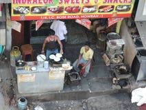 Ένα εστιατόριο ακρών του δρόμου σε Kolkata, Ινδία Στοκ φωτογραφία με δικαίωμα ελεύθερης χρήσης