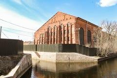 Ένα εσωκλειόμενο παλαιό κτήριο Στοκ εικόνα με δικαίωμα ελεύθερης χρήσης