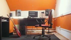 Ένα εσωτερικό στούντιο υγιούς καταγραφής φιλμ μικρού μήκους