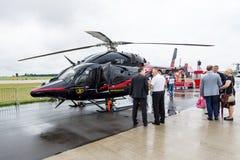 Ένα ελαφρύ, δίδυμου κινητήρα ελικόπτερο που αναπτύσσονται με το ελικόπτερο κουδουνιών και αεροδιαστημικές βιομηχανίες της Κορέας  Στοκ φωτογραφία με δικαίωμα ελεύθερης χρήσης