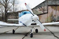 Ένα ελαφρύ αεροσκάφος στο αεροδρόμιο Στοκ Εικόνα