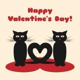Ένα ζευγάρι των γατών με τις ουρές τους υπό μορφή καρδιάς Ευτυχής ημέρα βαλεντίνων ` s κειμένων! Στοκ φωτογραφία με δικαίωμα ελεύθερης χρήσης