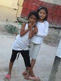 Ένα ζευγάρι των νέων ινδονησιακών κοριτσιών Στοκ Εικόνες