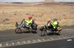Ένα ζεύγος που μέσω του New Mexico στην άνοιξη στοκ φωτογραφίες με δικαίωμα ελεύθερης χρήσης