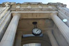 Ένα δημόσιο ρολόι Στοκ Φωτογραφίες