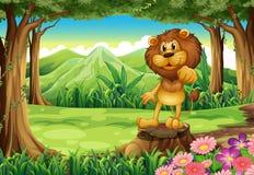 Ένα λιοντάρι βασιλιάδων επάνω από το κολόβωμα στο δάσος απεικόνιση αποθεμάτων