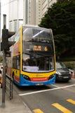 Ένα διώροφο λεωφορείο Χονγκ Κονγκ Στοκ Φωτογραφία