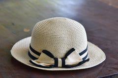 Ένα καπέλο με το χείλο για τις γυναίκες Στοκ Εικόνα
