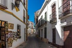Ένα κατάστημα streetside στην πόλη της Ronda Ισπανία, Ευρώπη σε ένα καυτό SU στοκ εικόνες με δικαίωμα ελεύθερης χρήσης