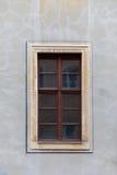 Ένα καφετί, ξύλινο παράθυρο Στοκ Εικόνες