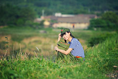 Ένα κινεζικό κορίτσι σε ομοιόμορφο Στοκ Εικόνα