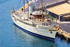 Ένα κλασικό γιοτ κυρίων ` s στο μεγάλο λιμάνι, Μάλτα στοκ φωτογραφία