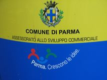 Ένα κοινοτικό κέντρο στην Πάρμα, την Ιταλία - την ΙΤΑΛΙΑ - χρυσός & μπλε Στοκ φωτογραφίες με δικαίωμα ελεύθερης χρήσης