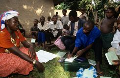 Ένα κοινοτικό πρόγραμμα ενδυνάμωσης, Ουγκάντα. Στοκ Εικόνες