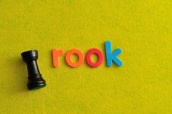 Ένα κομμάτι σκακιού κορακιών με το κοράκι λέξης Στοκ Εικόνες