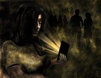 Ένα κορίτσι, ίσως σε ένα νυχτερινό κέντρο διασκέδασης, ή άλλο κοινωνικό γεγονός εμφανίζεται μόνο κοιτάζοντας στο τηλέφωνο κυττάρω στοκ εικόνα με δικαίωμα ελεύθερης χρήσης