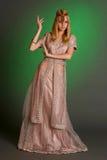 Ένα κορίτσι στο ανατολικό φόρεμα Στοκ Φωτογραφία