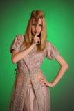 Ένα κορίτσι στο ανατολικό φόρεμα Στοκ Εικόνες