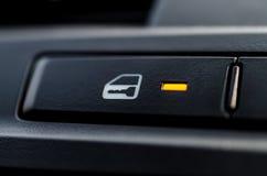 Ένα κουμπί κλειδαριών αυτοκινήτων Στοκ φωτογραφία με δικαίωμα ελεύθερης χρήσης