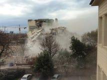 ένα κτήριο που καταστράφηκε από τους σκοπούς αστικής ανανέωσης, Ιστανμπούλ επίσης φωτογραφισμένος, να μην βομβαρδίσει αυτό το κτή Στοκ φωτογραφία με δικαίωμα ελεύθερης χρήσης