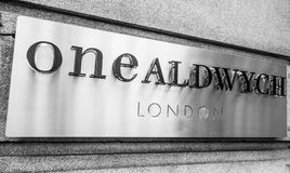 Ένα κτήριο Aldwych στο Λονδίνο - το ΛΟΝΔΙΝΟ - τη ΜΕΓΑΛΗ ΒΡΕΤΑΝΊΑ - 19 Σεπτεμβρίου 2016 Στοκ εικόνες με δικαίωμα ελεύθερης χρήσης
